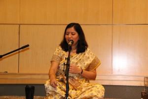 Mrunal Tak sings Raga Bhimpalasi